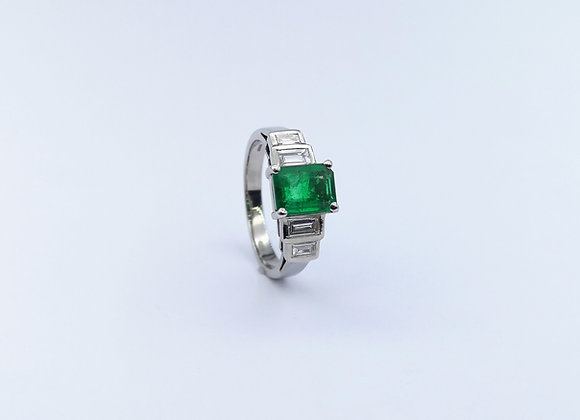 18ct Emerald & Baguette Diamond Ring