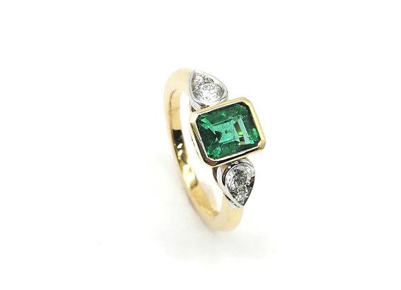 18ct Emerald & Pear Diamond Ring