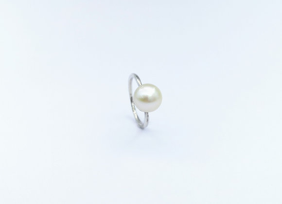 Silver Round Pearl Ring