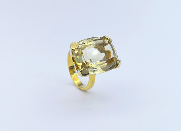 Yellow Gold Oblong Citrine Ring