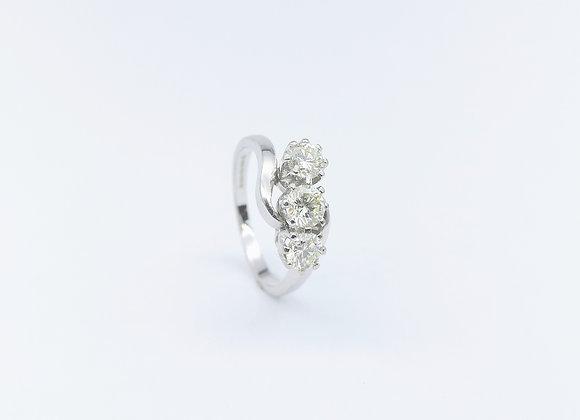 18ct 3 Stone Diamond Twist Ring