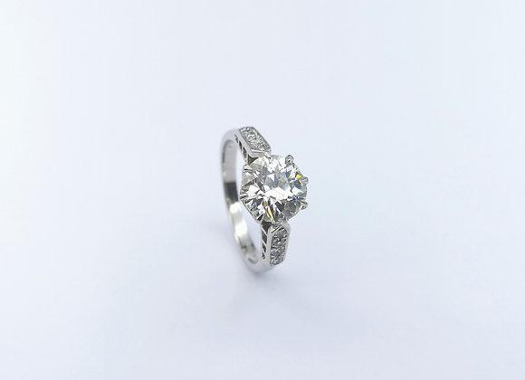 18ct Diamond Ring, Diamond Set Shoulders