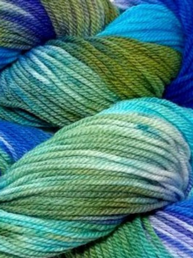 Aurora Worsted Weight Yarn - Hoof-To-Hanger