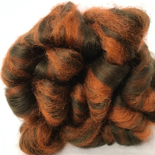 4 oz. Peanut Butter Cup Roving - Hoof-To-Hanger