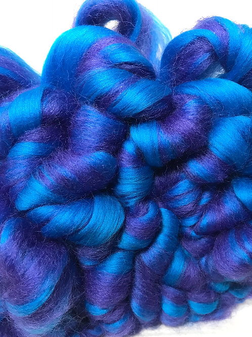 1 lb. Electric Blue Roving - Hoof-To-Hanger