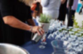 UOTR 20 Martini pour.jpg