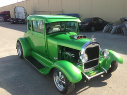 1929-Ford-5-Window-Coupe-Green-003