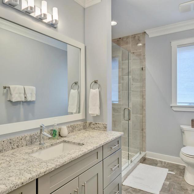 Bathroom1_Kopf.jpg