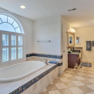 Bathroom2_Bourque.jpg