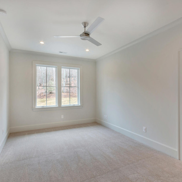 111 Falcon Dr Charlottesville-large-035-