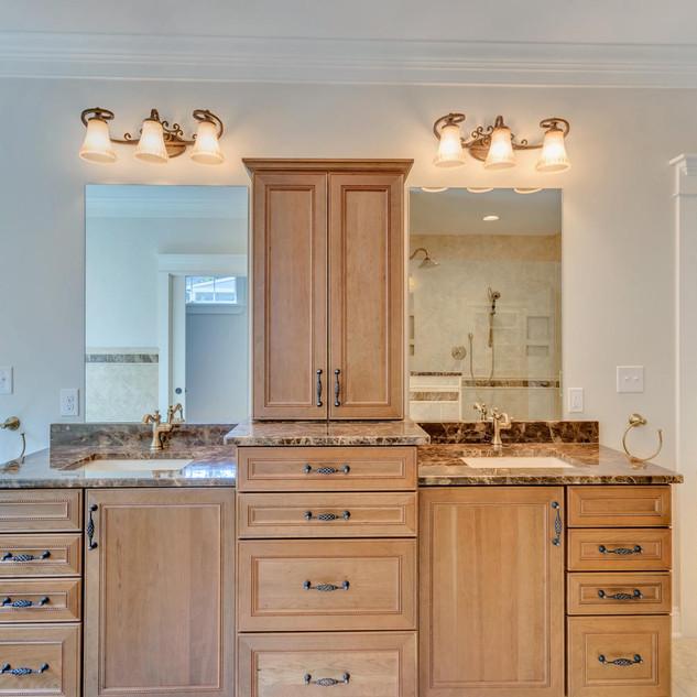 Bathroom5_Details_McCrickard.jpg
