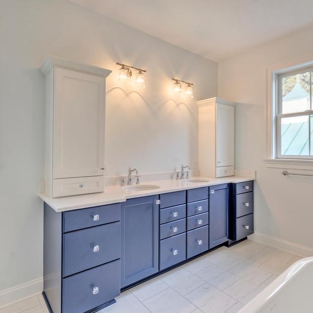 Bathroom4_Rubenoff.jpg