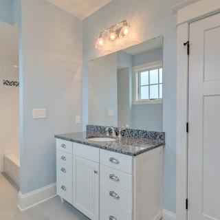 Bathroom7_Hunt.JPG