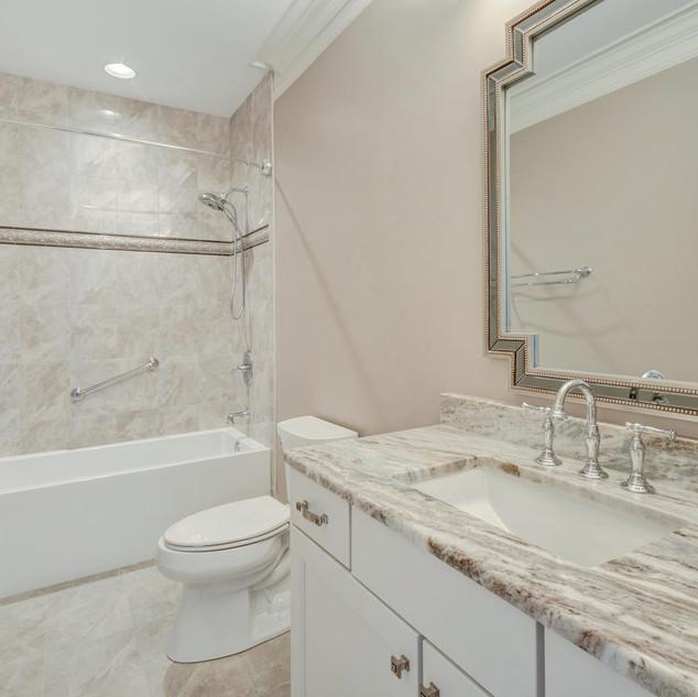 Capp_Bathroom2.jpg