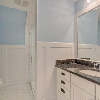 Bathroom6_Hunt.JPG