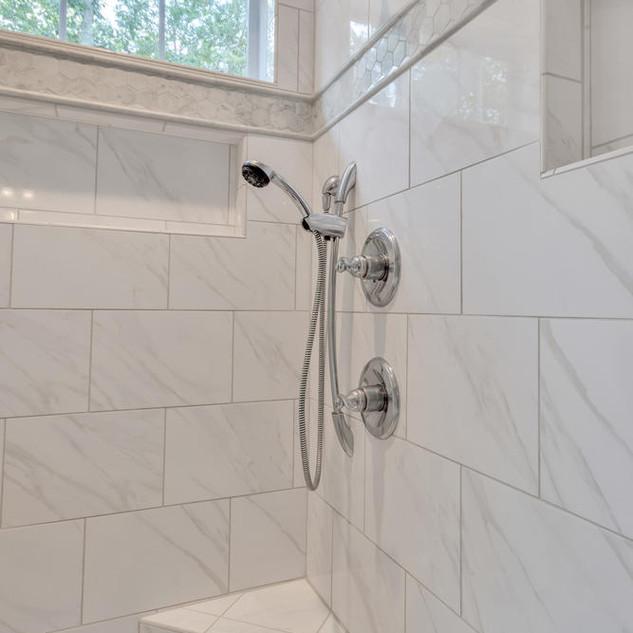 Bathroom7_Lockhart.jpg