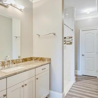 CApp_Bathroom4.jpg