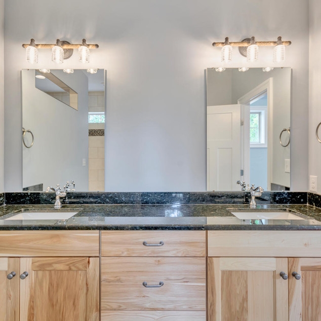 Bathroom6_Rowell.jpg