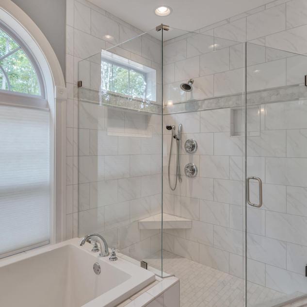 Bathroom6_Lockhart.jpg