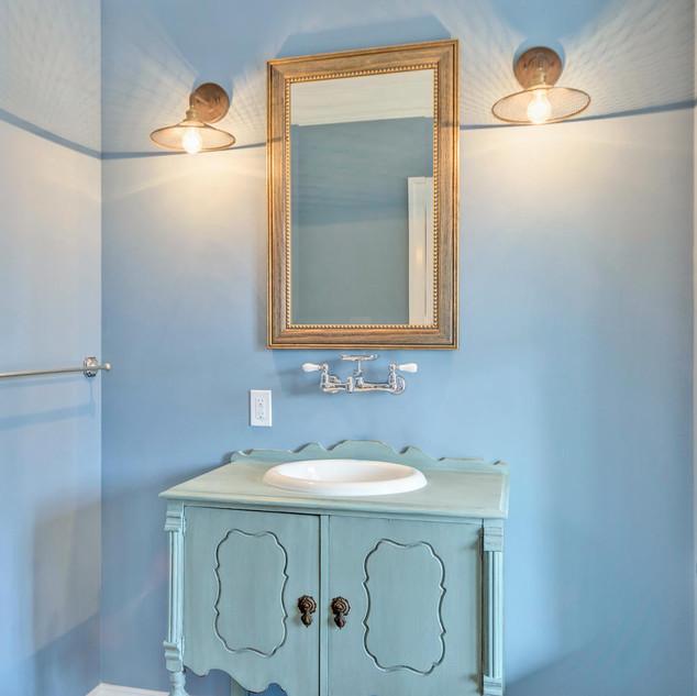 Bathroom3_Rubenoff.jpg