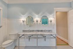 Bathroom2_Hunt