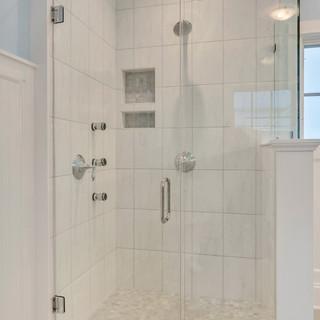 Bathroom_Detail_Hunt.JPG