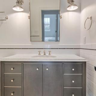35_bathroom.jpg