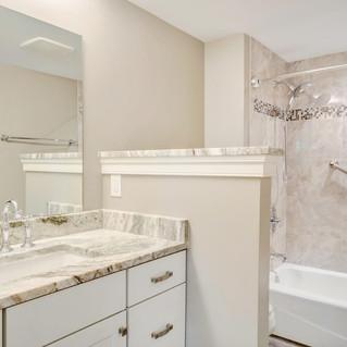 Capp_Bathroom3.jpg