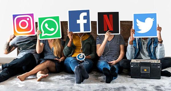 personas-iconos-marcas-digitales_53876-7