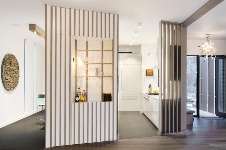 L4_Bar and Kitchen.jpg