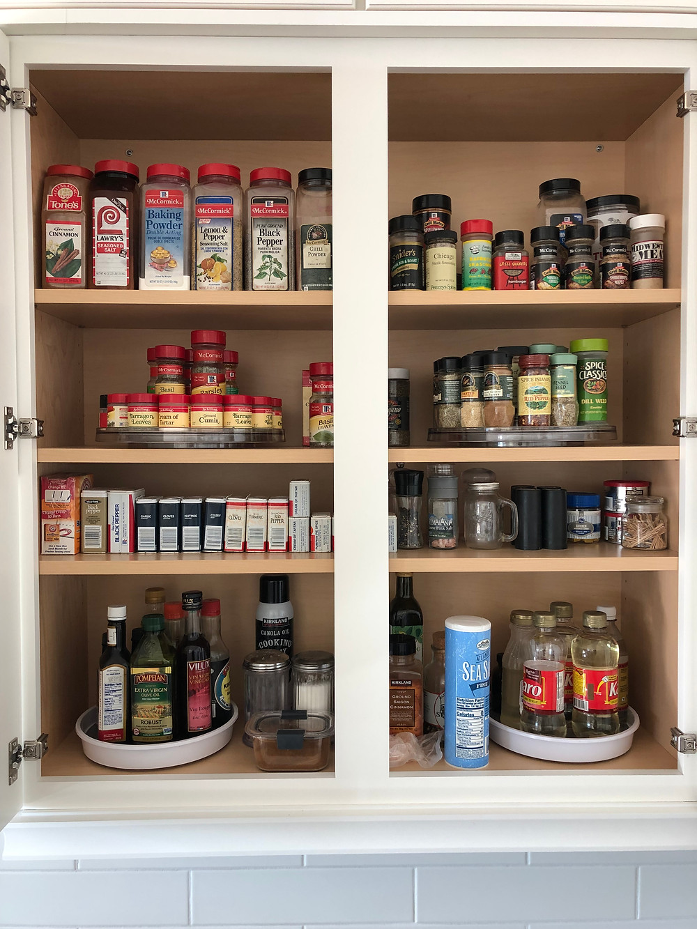 Organizing spices and seasonings