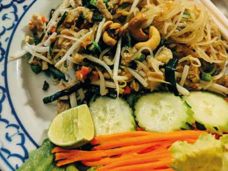 RAW PAD THAI WITH COURGETTE & CARROT