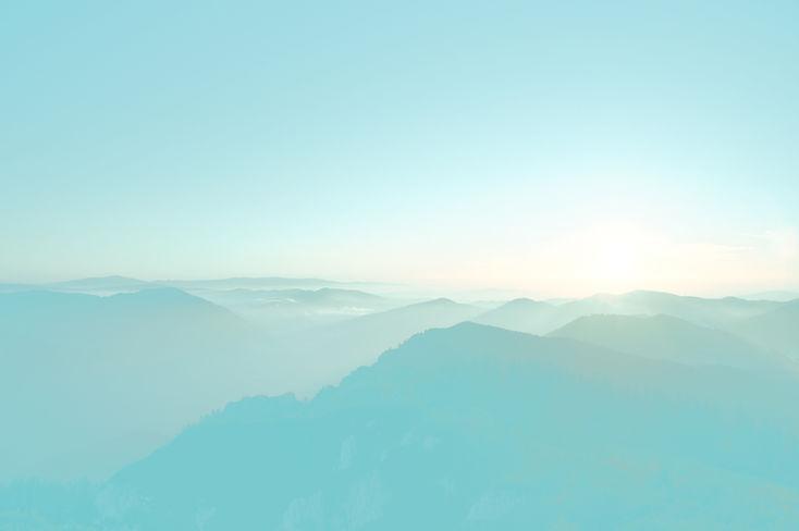 montagnes bleues contact stéphanie diaz, thérapeute holistique, accompagnement et connaissance de soi, sonothérapie, naturopathie, fleurs de bach, lyon, chaponost