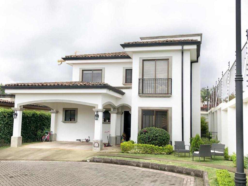 HEREDIA BELEN VENDO CASA $355.000