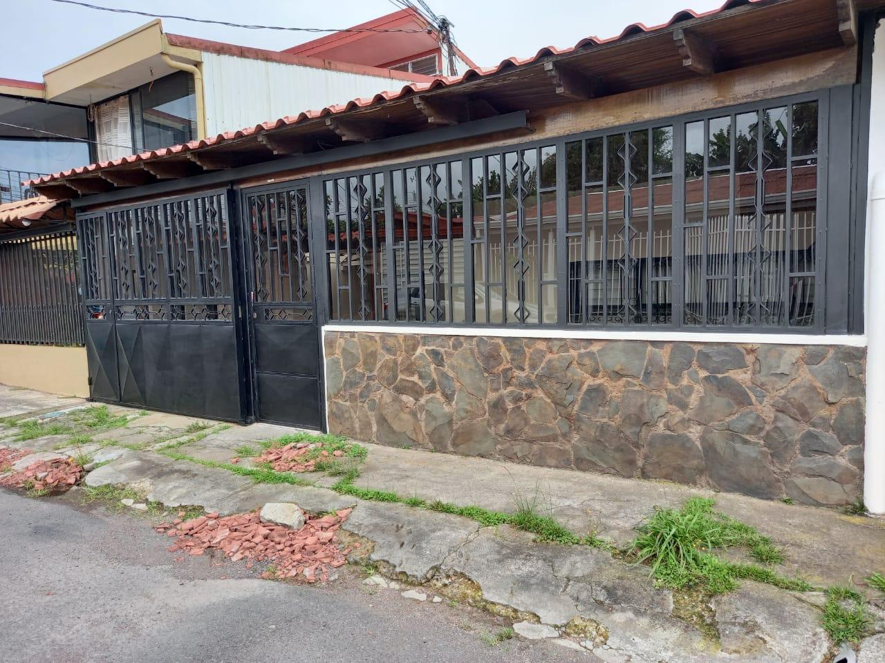CORONADO RENTO CASA ₡300.000