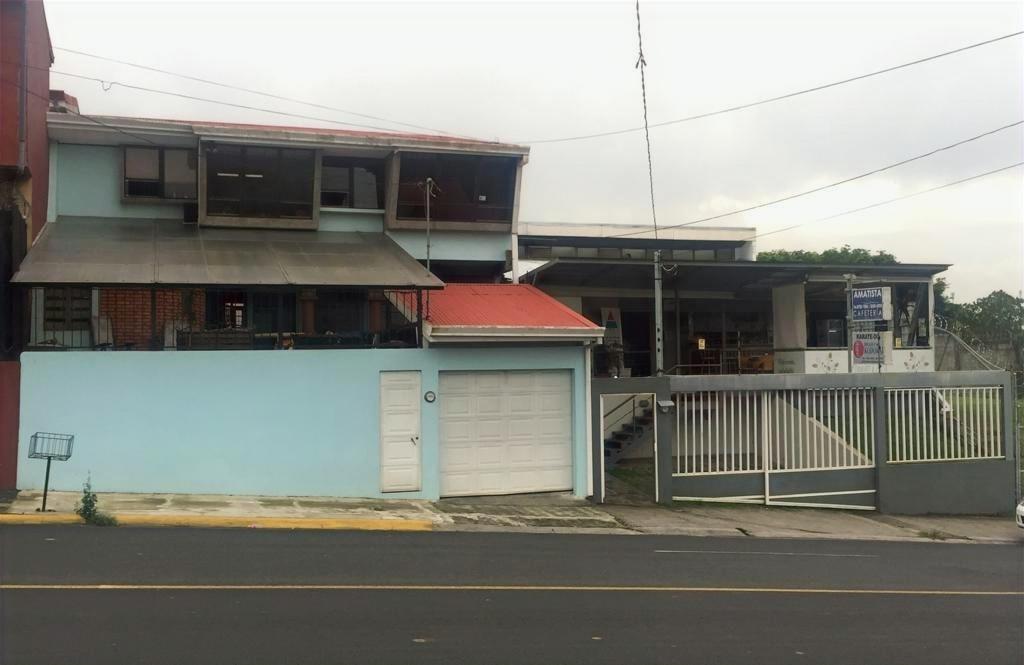 HEREDIA MERCEDES PROPIEDAD CON CASA Y LOCAL $225.000