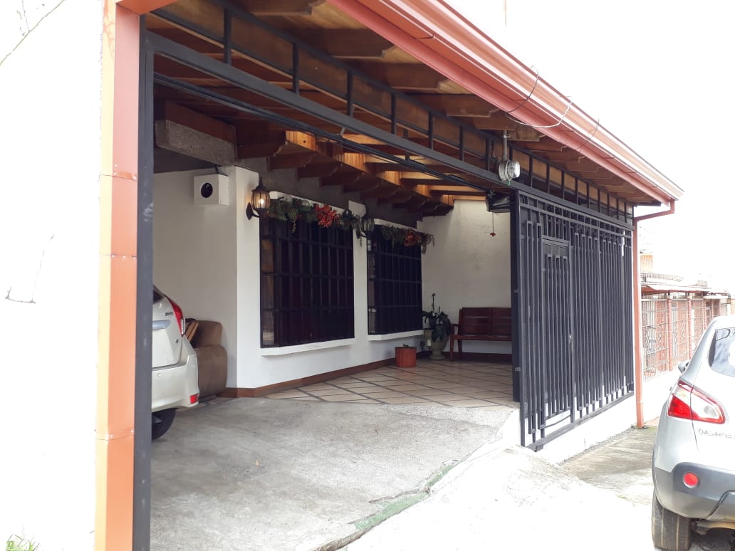 HEREDIA VENDO CASA ₡95.000.000