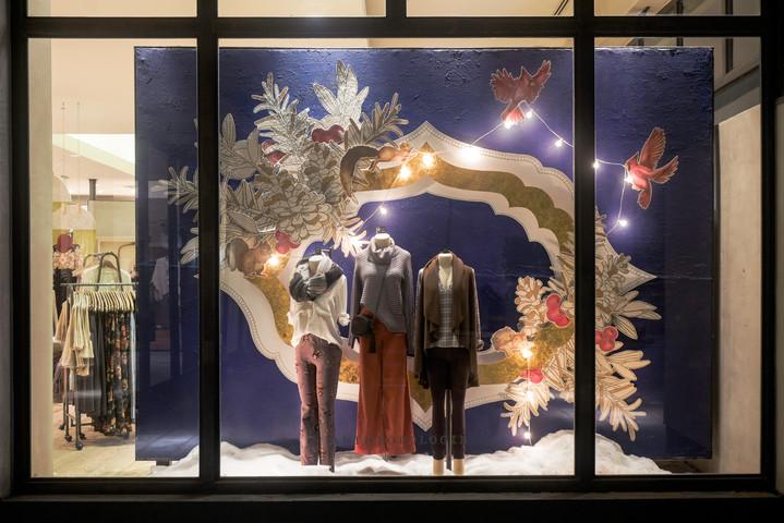 Holiday Retail Window Display