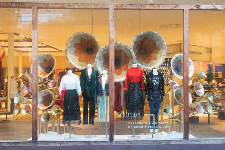 Holiday Retail Window Display 3