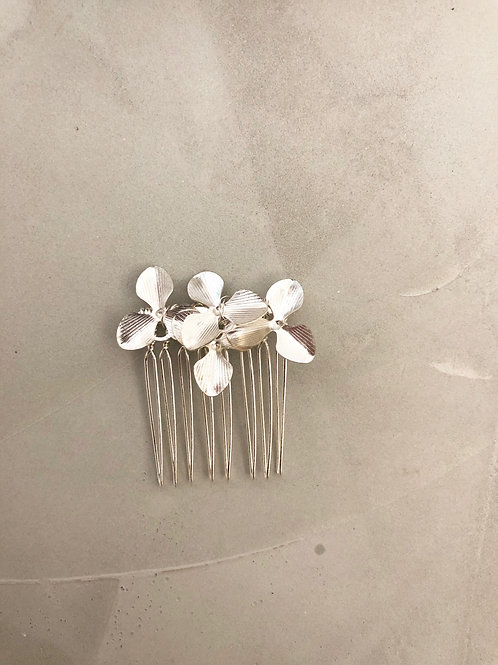 31 Silver flower hair comb