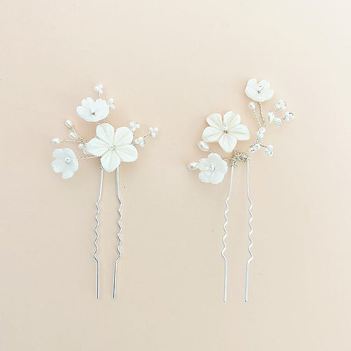 Lily hair pins (Set of 2)