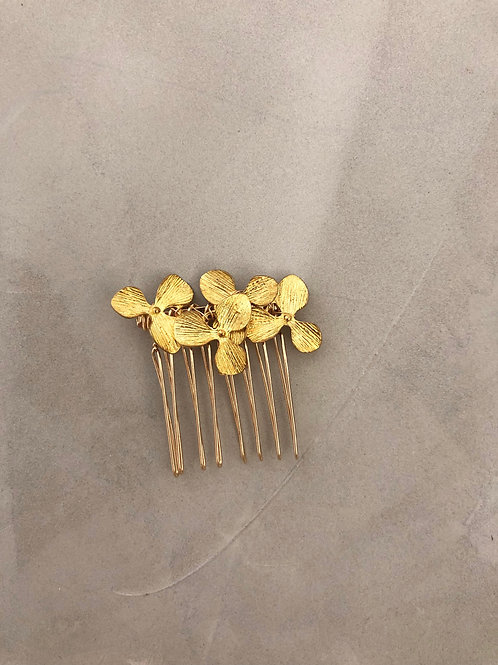 15 Gold hair comb