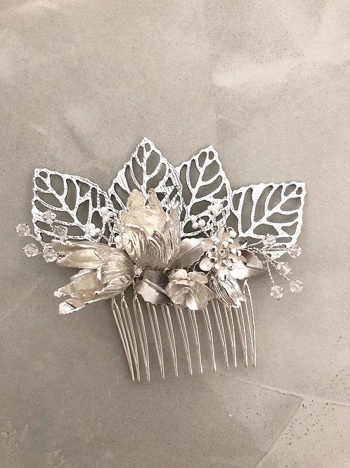 70 Silver hair comb