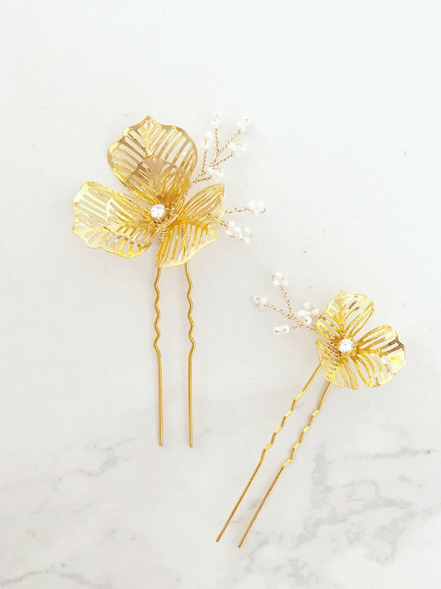 Poppy hair pin