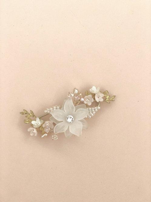 05 Joyce brooch (pink)