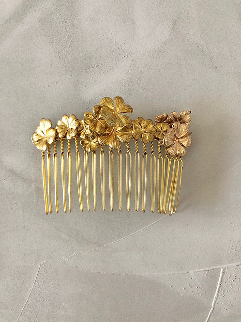 73 Gold hair comb