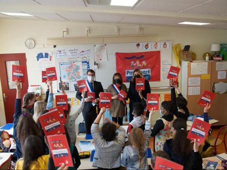 Remise du Passeport du civisme dans une classe de l'école Berthier