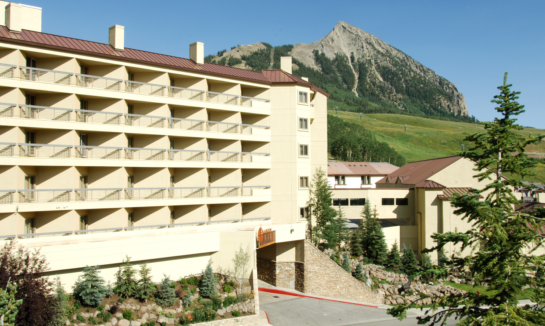 TS_elevation hotel_10.jpg