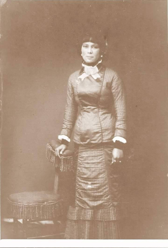 Louisa Ynitia Knox.jpg