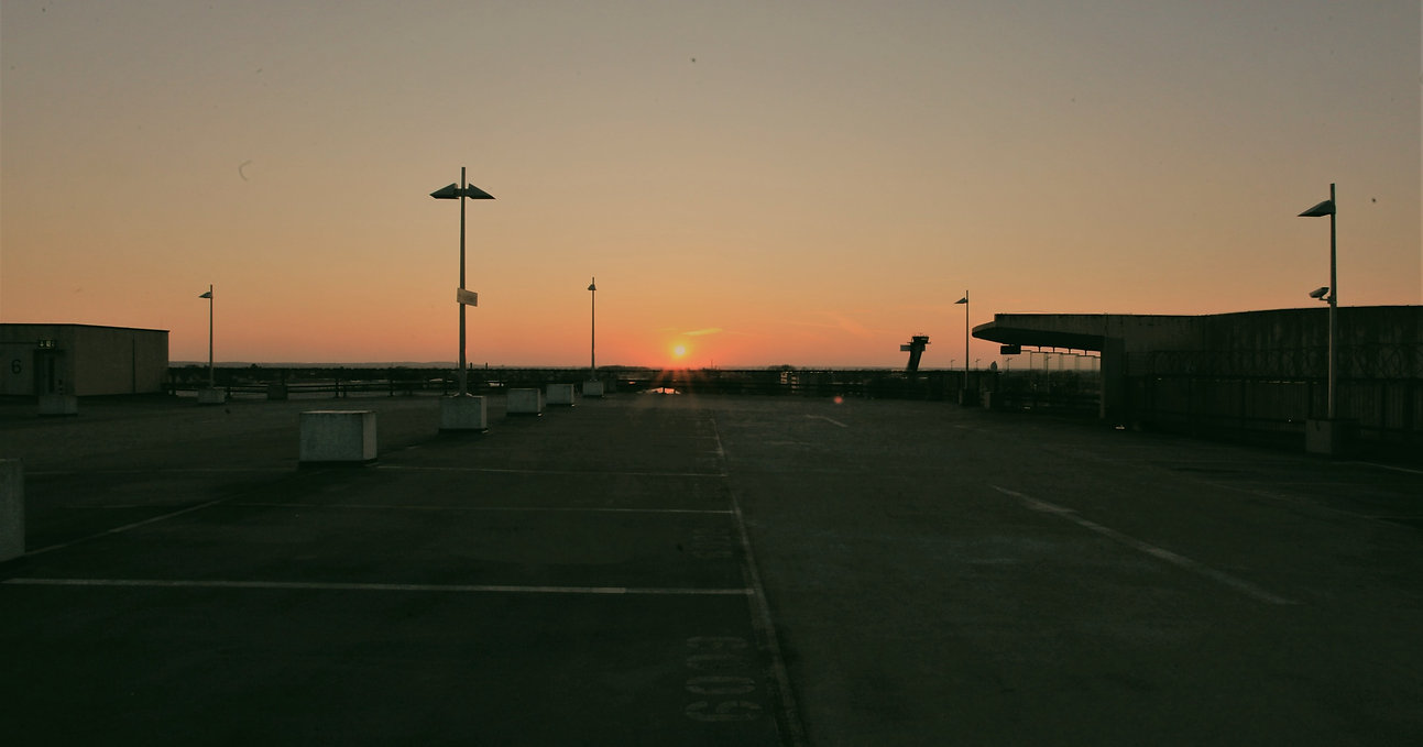 Flughafen%20NUE_edited.jpg